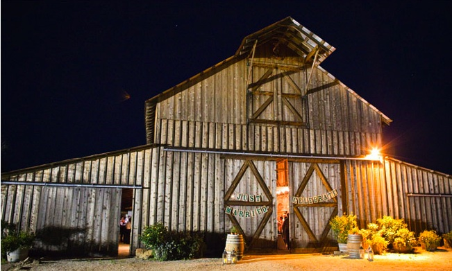barn beauty - from hello to hitched