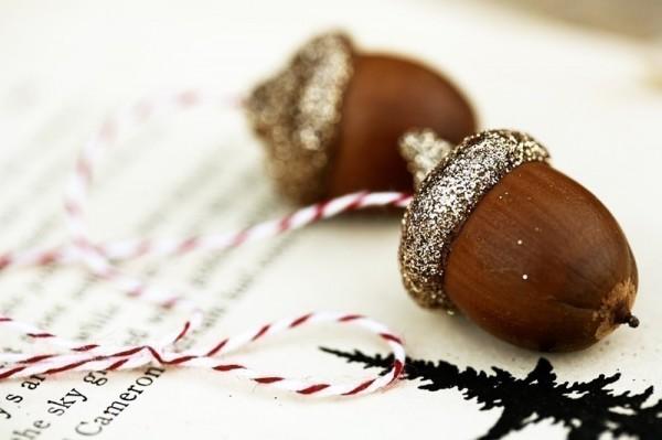 Glitter-acorn-ornaments-600x399