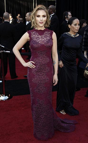 Scarlett-Johansson-on-the-012