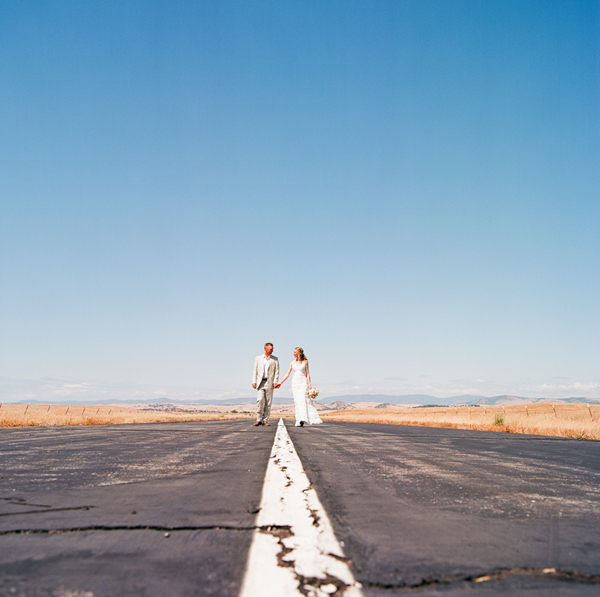 Airplane-runway-wedding-portraits-3