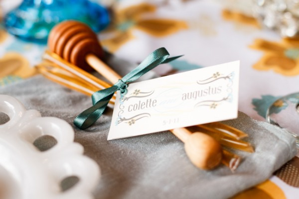 Honey-Dipper-Wedding-Favors-600x399
