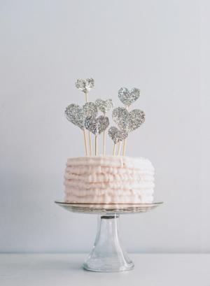 Glitter-Paper-Heart-Cake-Topper-300x409